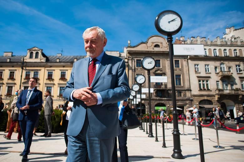 48 procent mieszkańców Krakowa źle ocenia prezydenturę Jacka Majchrowskiego. 47 procent ocenia ją dobrze