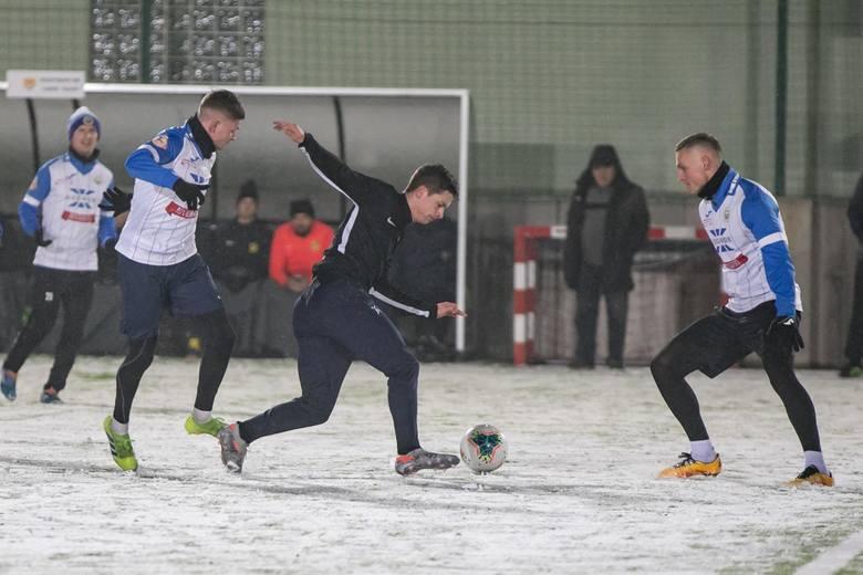III-ligowy Hutnik Kraków lepszy od występującej w lidze okręgowej Wieczystej Kraków [ZDJĘCIA]