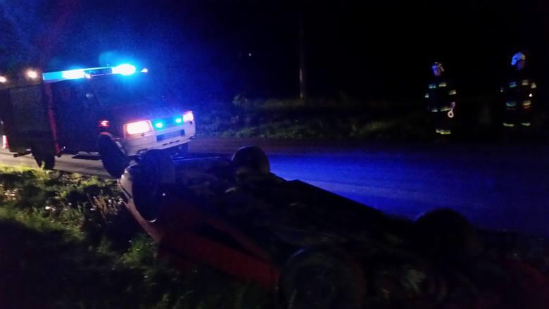 Samochód leżał w rowie, właściciel odnalazł się w domu