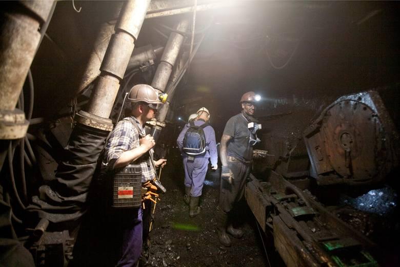 18-05-2012.katowice kopalnia wieczorek kwk wieczorek gornictwo gornik fot - arkadiusz lawrywianiec/polskapresse