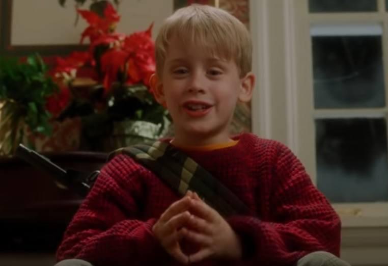 """Dzięki filmowi """"Kevin sam w domu"""" twarz 10-letniego wówczas Macaulaya Culkina kojarzą do dziś wszyscy. A jak aktor wygląda dziś? W"""