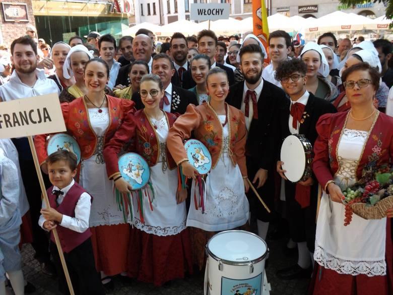 W niedzielę w Kołobrzegu rozpoczął się 26. Festiwal Interfolk. Aż do soboty będzie można podziwiać występy zespołów folklorystycznych z Chin, Tajlandii,