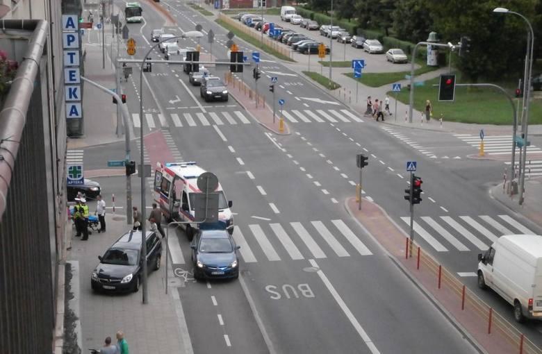 W sobotę, po godzinie 16, opel potrącił rowerzystkę.
