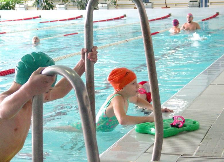 1 sierpnia basen przy SP 24 przy ul. Ogrodowej miał otworzyć swoje podwoje przyjmując amatorów kąpieli pod dachem. Toruński magistrat ogłosił jednak,