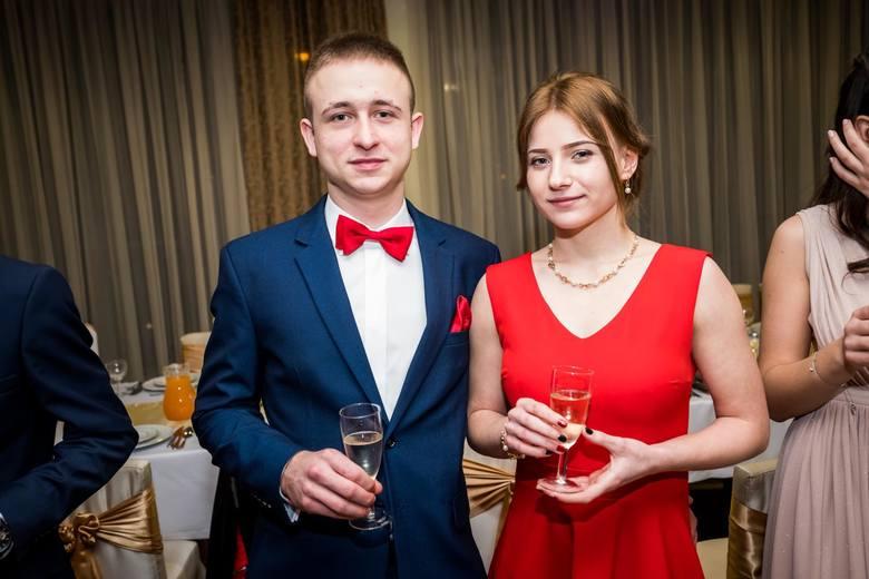 Tegoroczni maturzyści z Technikum Drzewnego bawili się w restauracji Telimena. Zobaczcie zdjęcia!