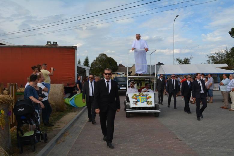 Grodzisko było organizatorem tegorocznego święta plonów gminy Olesno.Komisja konkursowa nagrodziła najzabawniejsze korowody i najpiękniejsze korony dożynkowe.