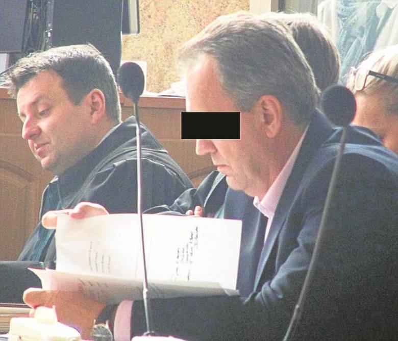 Były prezes KBP, Adam Ś., podczas pierwszej rozprawy w sądzie