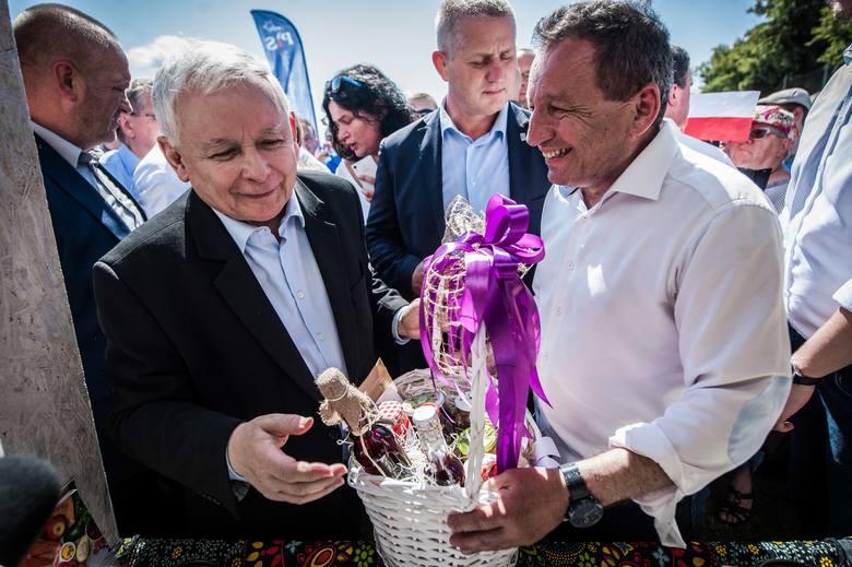 W sobotę na stadionie w Dygowie odbył się Piknik Rodzinny organizowany przez Prawo i Sprawiedliwość. Nasz region odwiedził prezes rządzącej partii -