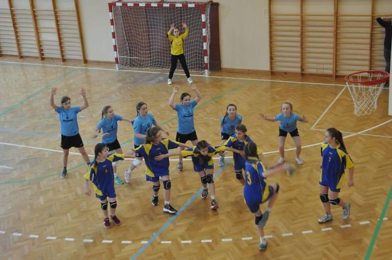 V Międzynarodowy Turniej Piłki Ręcznej Dziewcząt o Puchar Burmistrza Pruchnika.Wyniki turnieju i więcej informacji.