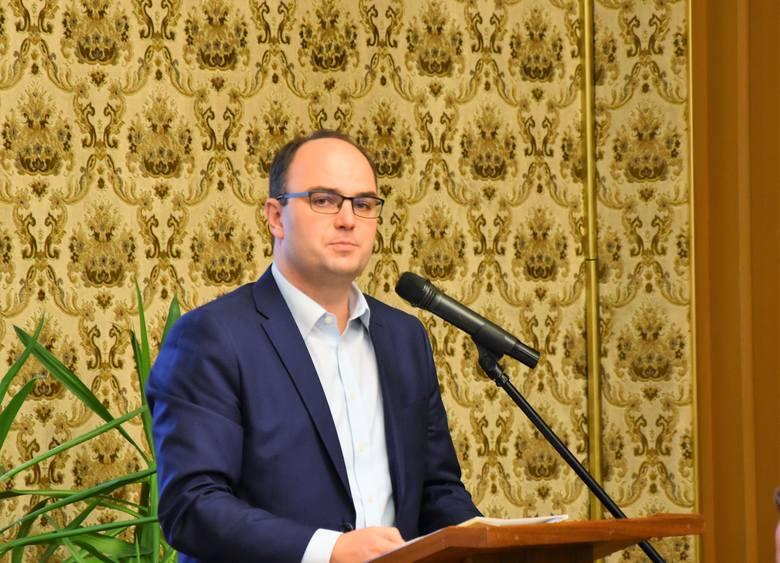 Michał Nowak, lider klubu PiS w radzie Opola.
