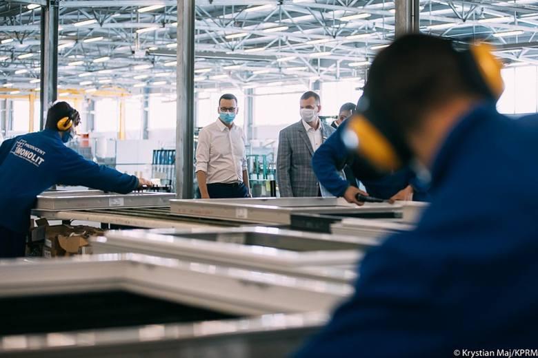 Premier Mateusz Morawiecki w Zambrowie: Dzięki rządowemu wsparciu ratujemy miejsca pracy