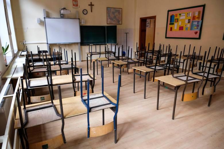 Szkoła Podstawowa nr 1 pusta z powodu koronawirusa