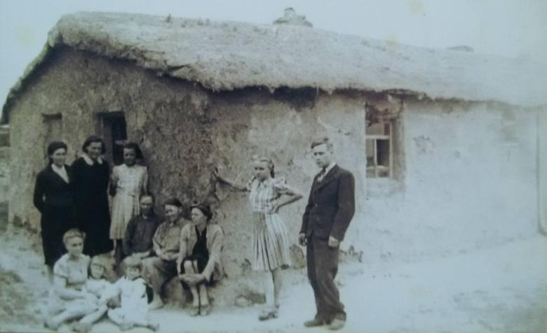 W takiej lepiance Maria z Wojciechowskich Zarębina mieszkała z dziećmi na Syberii<br />