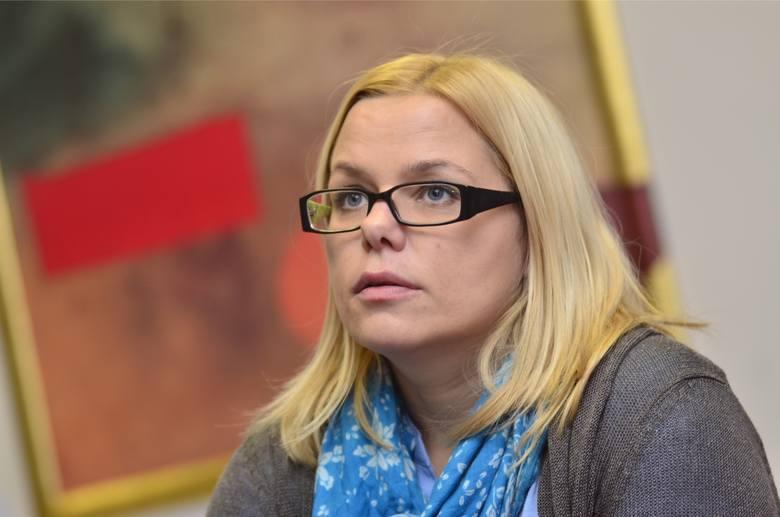 Z kolei była prezeska Stowarzyszenia Kobiet Konsola oraz była wicepełnomocniczka Wielkopolskiego Kongresu Kobiet Aleksandra Sołtysiak-Łuczak zwraca uwagę