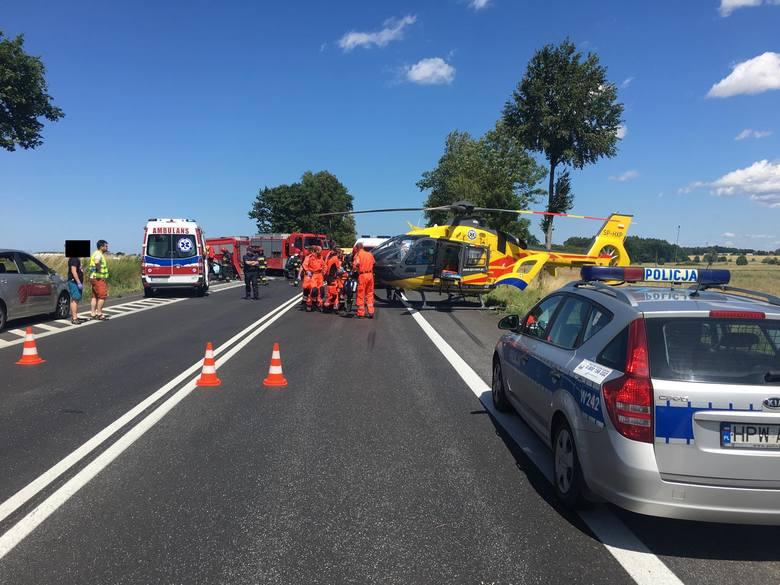 Do wypadku doszło ok. godziny 13 w poniedziałek na trasie w kierunku Karlina, na wysokości miejscowości Kraśnik.  Z naszych informacji wynika, że zderzyły