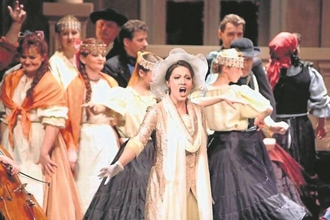 """Przedstawienie """"Hrabina Marica"""" w reżyserii Laco Adamika powstało na X Bydgoski Festiwal Operowy."""