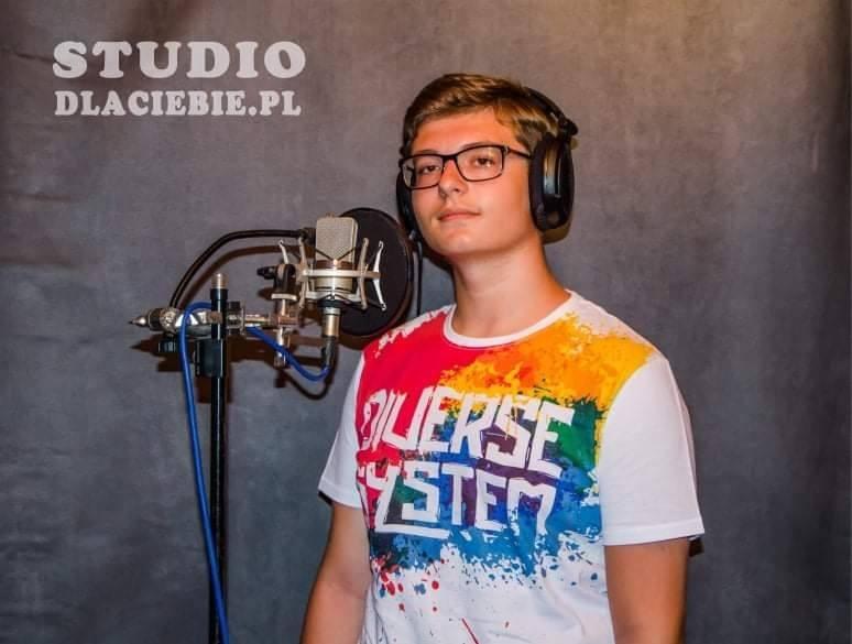 Szymon DąbrówkaLider w kategorii Talent wokalny- soliści
