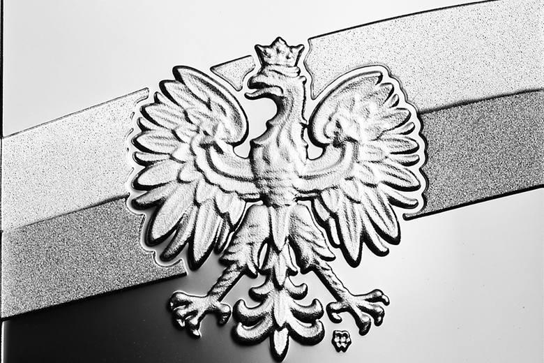 """We wtorek, 5 listopada, Narodowy Bank Polski wprowadził do obiegu dwie monety kolekcjonerskie z serii """"Stulecie odzyskania przez Polskę niepodległości"""""""