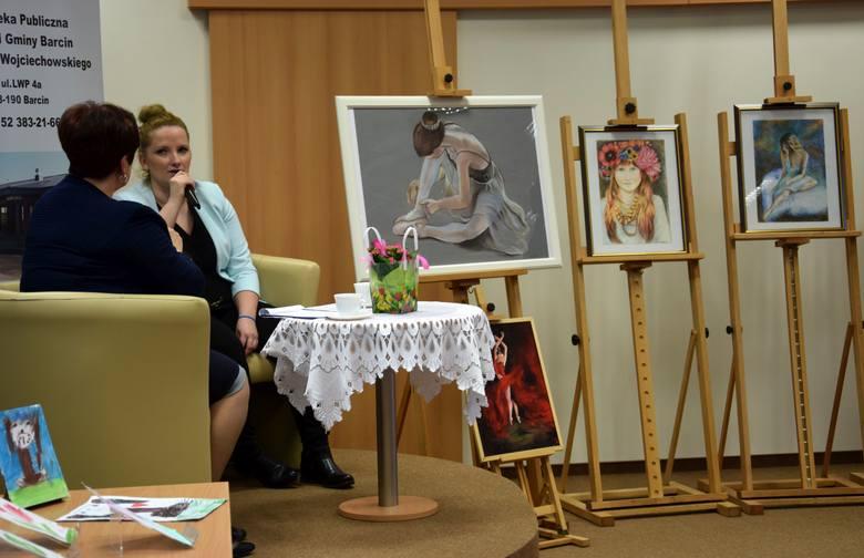 W czytelni biblioteki publicznej trwa wystawa malarstwa Agnieszki Rydlewskiej. Barcinianka od dwóch lat uczęszcza na zajęcia artystyczne w Miejskim Domu