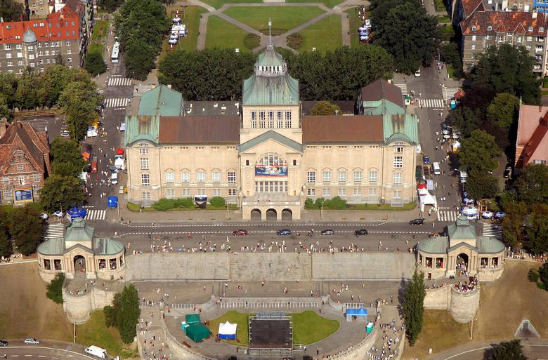 Muzeum Narodowe w Szczecinie – największa instytucja kultury na Pomorzu Zachodnim. Należy do grupy siedmiu polskich muzeów wyróżnionych w nazwie tytułem