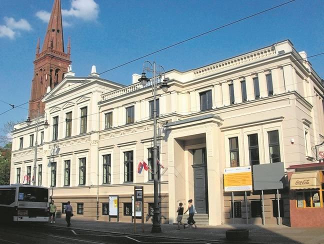 Pomorski Dom Sztuki (ul. Gdańska 20) przez wiele lat pozostawał jedyną siedzibą bydgoskiej opery i operetki.