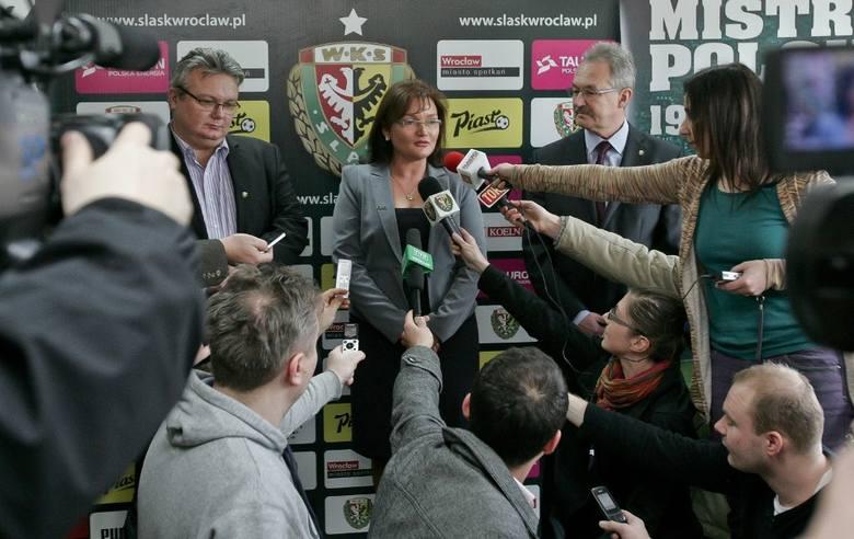 We wtorek miasto Wrocław przejęło akcje Wrocławskiego Konsorcjum Sportowego. Ma teraz ponad 99 proc. udziałów klubu. To był burzliwy związek. Zaczęło