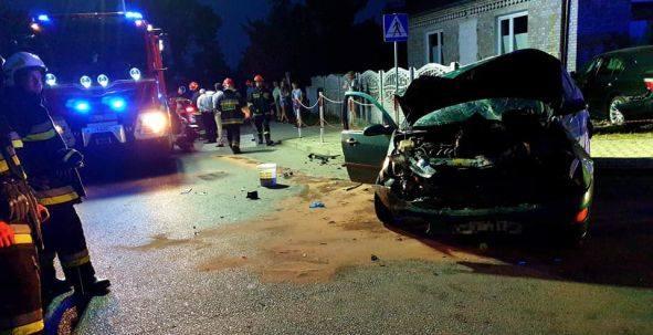 Wypadek na skrzyżowaniu w Rzeczniowie. Sprawca uciekł z miejsca zdarzenia