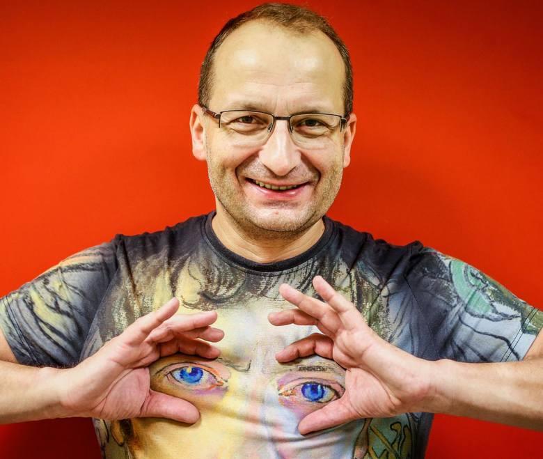 """Robert Górski - twórca kabaretowy, scenarzysta i odtwórca głównej roli w projekcie """"Ucho prezesa"""""""