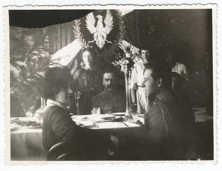 Józef Piłsudski na spotkaniu w Gospodzie dla Legionistów w Lublinie, 26 kwietnia 1916 roku