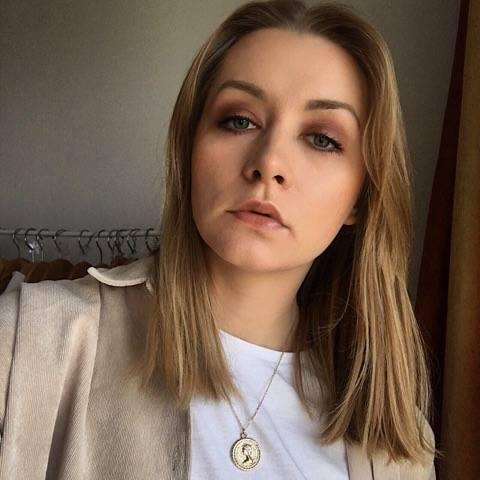 Paulina Kozieł (22 lata): Dni patriotów<br /> Patriota to osoba, która jest w stanie poświęcić się obronie ojczyzny. Nie unika obowiązków wynikających z bycia częścią społeczności. Stara się świecić przykładem dla młodych, u których poczucie narodowości i patriotyzmu nie jest jeszcze całkowicie...