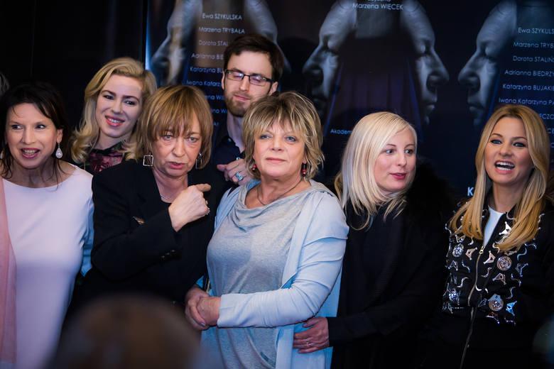 """Film """"Kolekcja sukienek"""" w reżyserii Marzeny Więcek otrzymał nagrodę na Singapure World International Film Festival.W konkursie udział"""