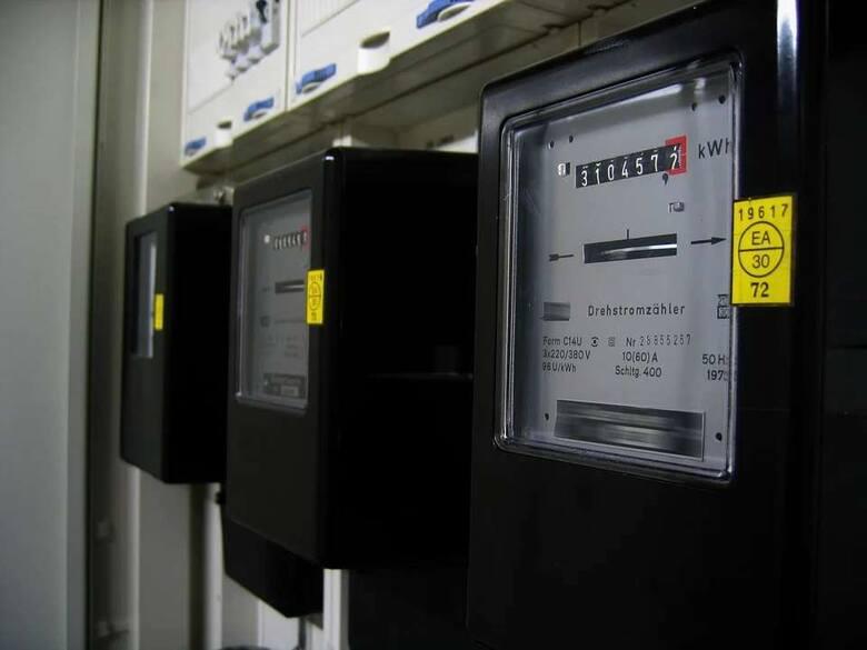Jak się okazuje w ciągu roku niektóre urządzenia zużywają więcej prądu gdy działają w trybie czuwania niż we właściwym trybie pracy. Są urządzenia, których