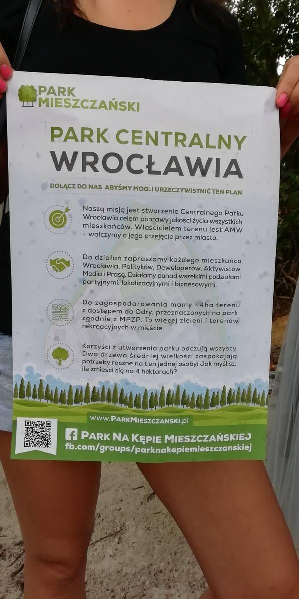 Mieszkańcy Kępy Mieszczańskiej walczący o park.