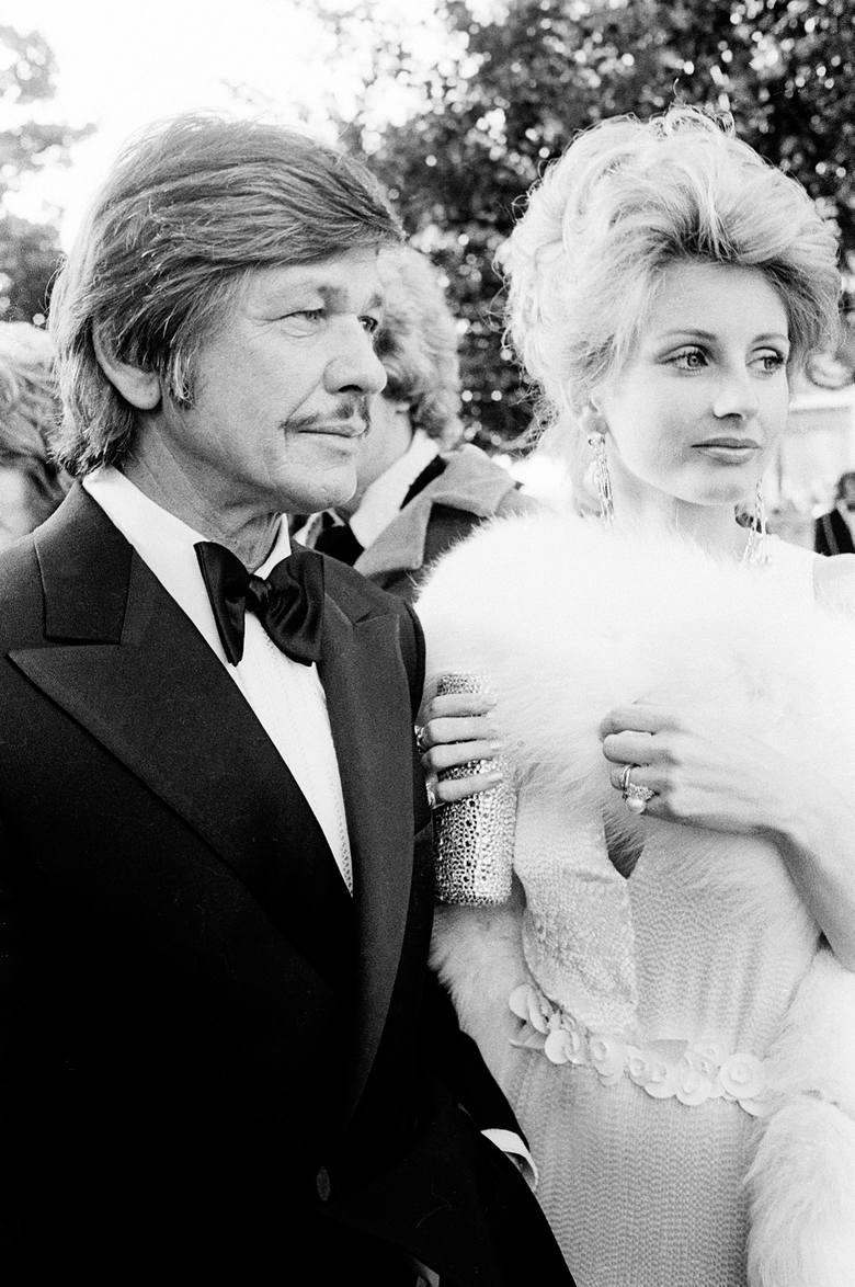 Charles Bronson i Jill Ireland na 46. gali wręczenia Oscarów.Bronson, a właściwie Charles Dennis Buchinsky - pochodzący ze szlacheckiej rodziny emigrantów