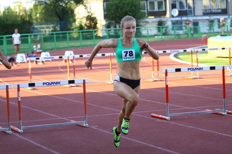 Katarzyna Siewruk dwa razy biła rekord życiowy na dystansie 60 metrów przez płotki.