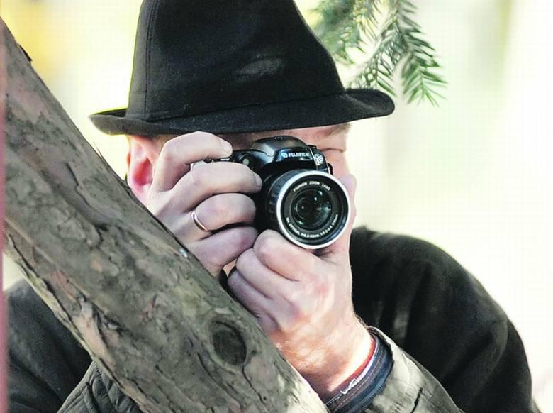 Spowiedź detektywa: przez 12 godzin siedział ukryty w krzakach