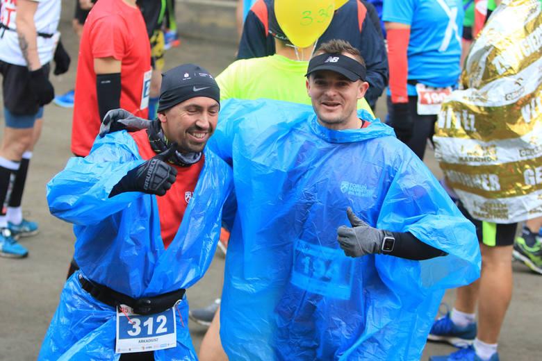 Po raz 35. odbył się Toruń Maraton. Start, meta i specjalne miasteczko dla uczestników umieszczono na Motoarenie. Mimo deszczu i przenikliwego wiatru