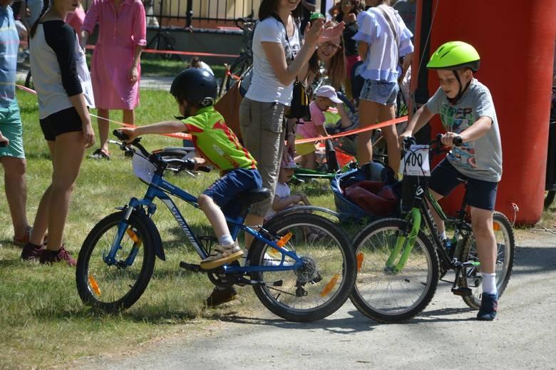 Skierniewice ROAD RACE: najmłodsi kolarze rywalizowali w parku miejskim