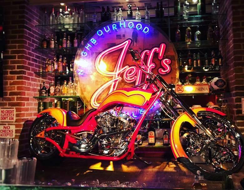 Wyjątkowy motocykl wykonany specjalnie dla WOŚP przez Paul Jr. Designs, czyli warsztat znany z programu &ldquo;American Chopper&rdquo;.<br /> <br /> Obecna cena: 100 000 zł<br /> <strong><a href=