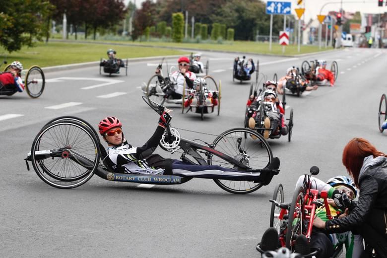 Rafał Wilk i Renata Kałuża, zawodnicy sekcji kolarskiej Stali Rzeszów, wygrali zawody Pucharu Europy w kolarstwie ręcznym, które odbyły się w Rzeszo