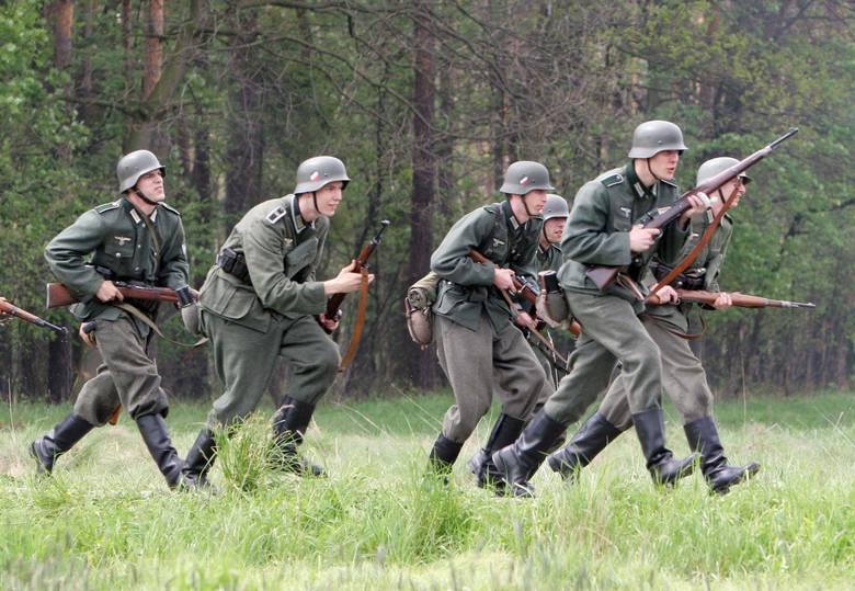 Katowice: Piotrowice - Ochojec 1945. Rekonstrukcja historyczna walk z 1945 r. w Dolinie Ślepiotki
