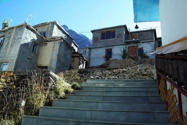 Podróz po Indiach<br /> Buddyjski klasztor nieopodal Keulongu.