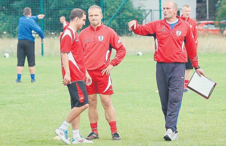 Dariusz Bratkowski (z prawej) został wczoraj pierwszym trenerem ŁKS.