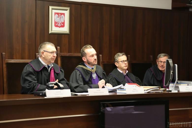 W pierwszej instancji proces toczył się przed Sądem Okręgowym w Opolu.