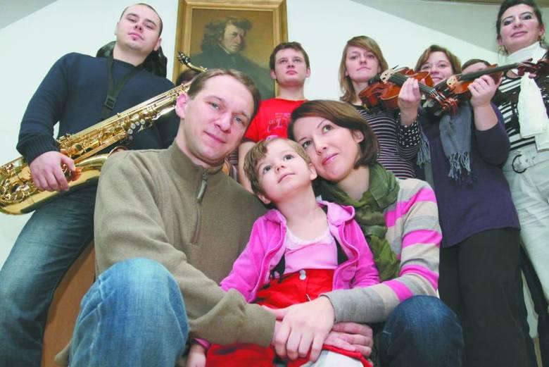"""Na pomysł koncertów """"Z myślą o małej Małgosi"""" wpadła Małgorzata Bielicka z uniwersytetu muzycznego. Występują studenci kierunku wokalistyki wydziału"""