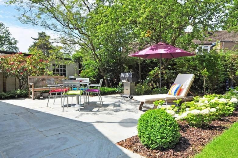Ogród przed domem to nie tlko relaks, ale i obowiązki.