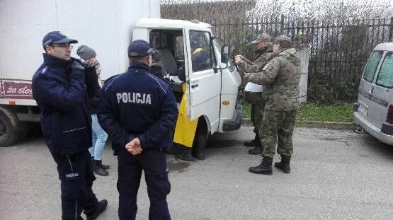 Policjanci z Radziejowa wspólnie z Państwową Strażą Rybacką oraz Inspekcją Weterynaryjną kontrolowali radziejowskie targowisko.Na targowisku miejskim