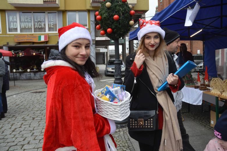 To już piąty rok Stowarzyszenie Nasza Wieś Tradycja Przyszłość, ze wsparciem gminy i Świebodzińskiego Domu Kultury, zorganizowało Jarmark Bożonarodzeniowy