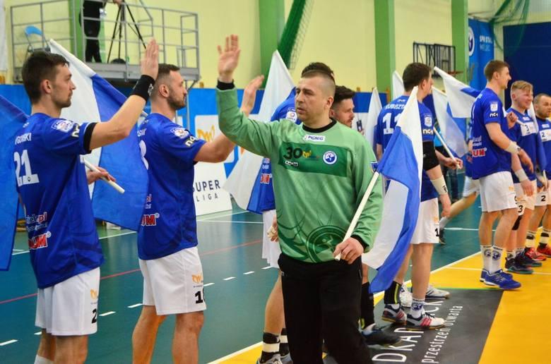 Szczypiorniści SPR Stali Mielec wygrali z Chrobrym Głogów w spotkaniu ostatniej kolejki rundy zasadniczej PGNiG Superligi 30:27. Jednak mimo tego zwycięstwa,
