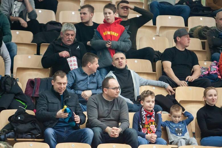 W kolejnym meczu na szczycie I ligi koszykarze Enea Astorii Bydgoszcz podejmowali w Artego Arenie trzeci zespół Rawlplug Sokół Łańcut i po trzech kolejnych